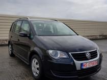 VW Touran 7 locuri 1.9 diesel 2010