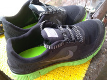 --- Adidasi Nike, marime 42 (26.5 cm) --- Purtati putin