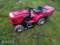 Tractoras tuns gazon/iarba jonsered ict 13