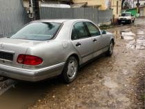 Dezmembrez Mercedes W210