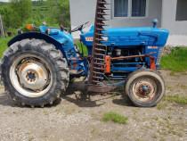 Tractor Ford Dexta 2000