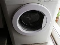 Mașină de spălat rufe și uscător de rufe