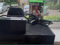 Xbox One + FIFA 21