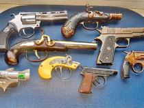 C714-Pistolete Bricheta metal vintage. Pret/bucata.