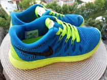 Adidasi Nike, mar 40 UK 6 (25 cm) made in Vietnam.
