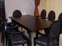 Masa cu zece scaune