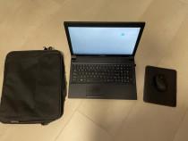 Laptop cu geanta, mouse si masuta