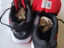 Adidasi Nike originali.
