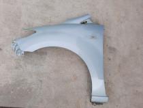 Aripa stanga Mazda 5, 2006