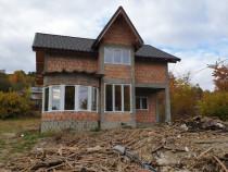 Casa cu mansarda in Municipiul Moinesti,Comuna Solont
