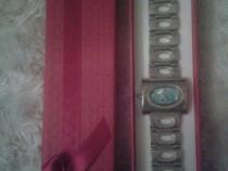 Ceas damă model pătrat cu bleu Gucci