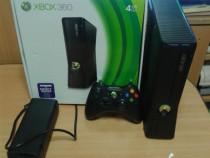 Xbox 360 slim ,4 gb, ca nou ,1 maneta ,cablu av rca
