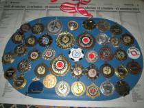 Medalii metalice vintage Sportive Straine 40 bucati.
