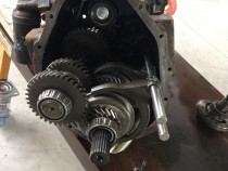 Reparație service cutii veteza buldoexcavatoare
