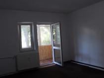 Apartament 2 camere  semidecomandate, zona centrala