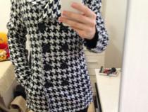 Palton pardesiu,alb cu negru, M,cambrat pe talie,lana 30%