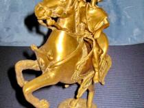 2386-Statuieta veche: Calaret cu arc din bronz masiv.