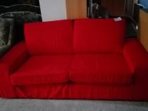 Canapea rosie fixa