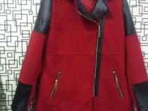 Palton rosu stofa cu insertii din piele