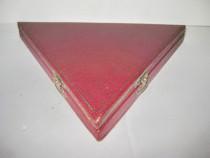 Caseta veche Etui Monede triunghi pt 6 monede carton.
