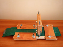 Dispozitiv pentru taiat pasla clape acordeon