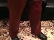 Pantaloni dama, din piele naturala.