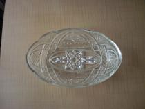 2 platouri ovale vintage, din sticla groasa