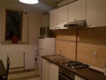 Inchiriez apartament 3 camere zona policlinica