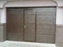 Usa garaj 2700/ 2200 cu usa pietonala la comanda