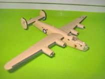 8503-Macheta Bombardier Liberandos 100-Teggie Ann.