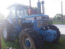 Tractor Ford 8210