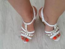 Sandale piele naturala ,noi marimea 38