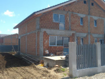 Duplex sau casa 5 camere , spatios, zona excelenta Sanpetru
