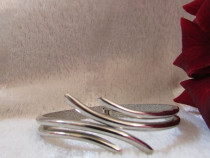 Bratara argintie abstracta