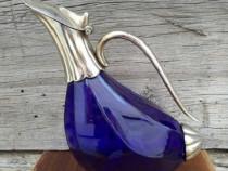 Carafa albastra cu maner curbat