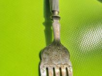 9380-Furca antica Tort-salate gravata si marcata anii 1900.