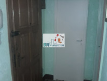 Apartament 3 camere zona Plopilor Calea Moldovei