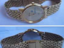 Un foarte elegant si bine pastrat ceas maxima, functional