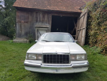 Limuzina Lincoln Town Car 1990