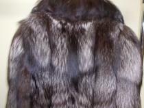 Blana de vulpe argintie lunga