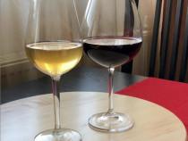 Vin natural de țara rosu si alb