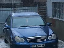 Dezmembrez Mercedes c220 cdi