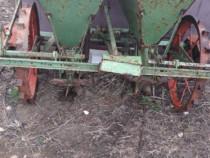 Plantatoare cartofi două rînduri