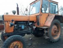 Tractor U650 cu utilaje