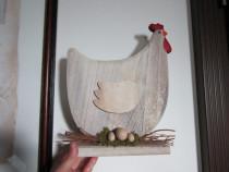 Gaina cu oua -decoratiune vintage, din lemn-un cadou inedit