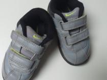 Adidași Nike nr 20