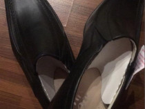 Pantofi noi,din piele 43-44