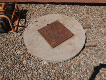 Capac de beton cu use vizitare
