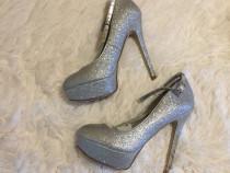 Pantofi dama argintii ,35 , nou