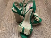 Sandale din piele intoarsa